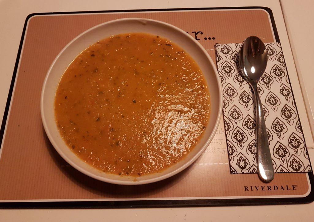 Homemade tomatensoep van Kaat Krabbelt