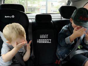kleinzoon en zoon Kaat